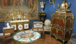 Antiques Removal Services